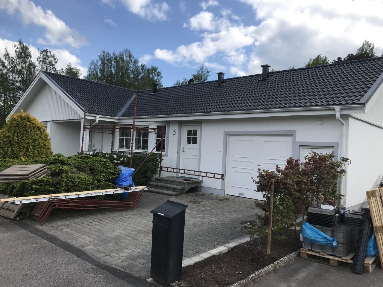 hantverkare renovering av hus i Smålandsstenar